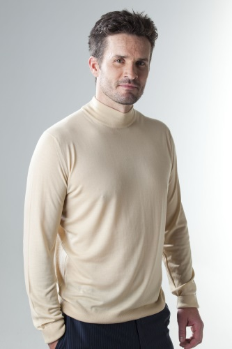 Zegna Men's Sweaters, Merino Wool Sweater Womens, Mens Crew Neck Jumper, Luxury Brand Clothing Online Shopping, Gucci Sweater Mens, Extra Fine Merino Wool Mens Sweaters, Crew Neck Sweater Womens, Luxury women's clothing stores, Warmsilk Products Australia, Mens Designer Clothes Online, Luxury Shawls Australia, Ladies Online Clothing Stores Australia, Knitwear Australia, Kiton Men's Clothing, Italian Merino Wool Sweater
